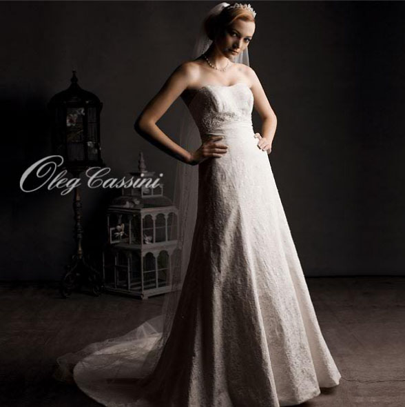 коллекция свадебных платьев Олега Кассини картинка