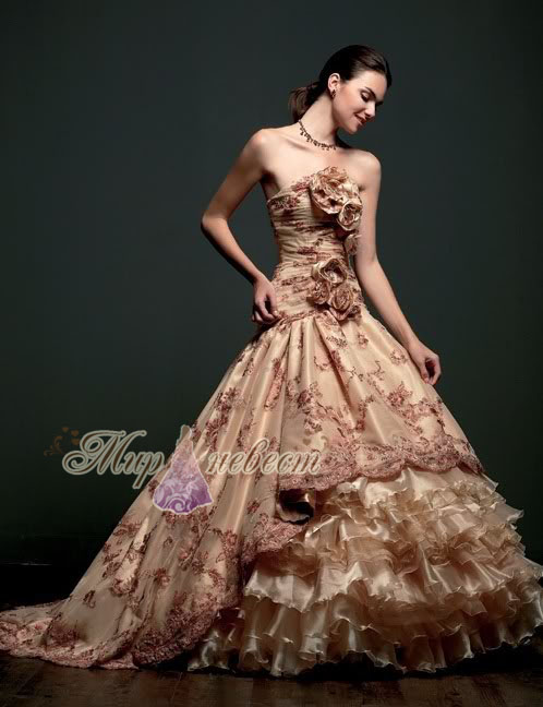 золотое свадебное платье картинка